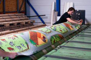 Snijden van tapijten